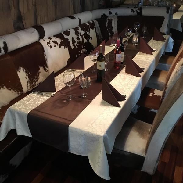 Saloon steaks and more | gedeckter Tisch
