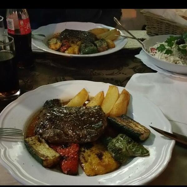 Saloon steaks and more | Gemüse mit Steak und Kartoffeln